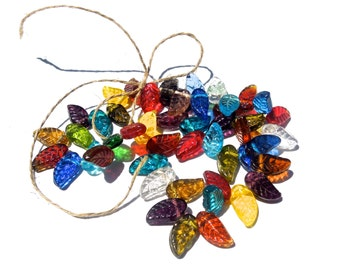 SUPPLY: 30 Colorful Flat Glass Leafs Beads - Glass Beads - (5-B1-00003490)