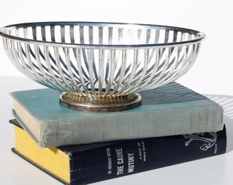 Vintage Silver Plated Wire Bowl Oval Basket Serving Dish Mid Century, fruit bowl, floral display, bread bowl,