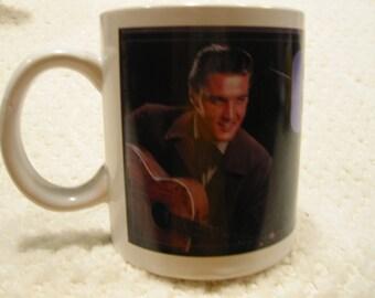 vintage  'ELVIS'  mug . . .  Still Rockin'  . . . . .  Signature Series