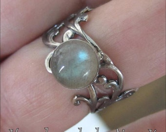 Sterling Silver Labradorite Ring - Blue Flash Ring - Lace Band Ring Collection - Rainbow Ring