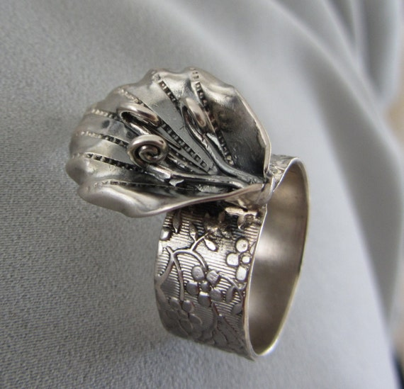 Silver flower ring -Textured Wide band ring - Handmade Ring - Bloom Ring