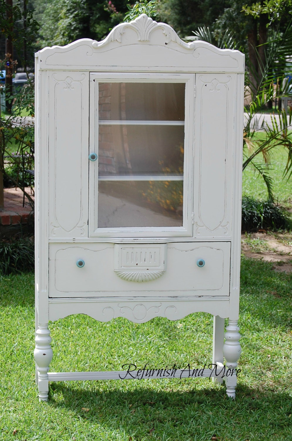 antique shabby chic china cabinet. Black Bedroom Furniture Sets. Home Design Ideas