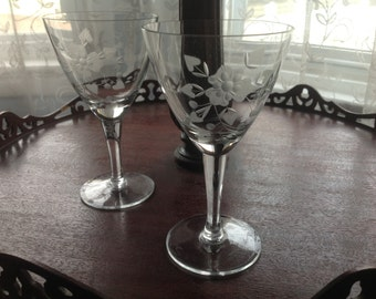 2 Midcentury Etched Glass Goblets Glasses HEARTS and Flowers