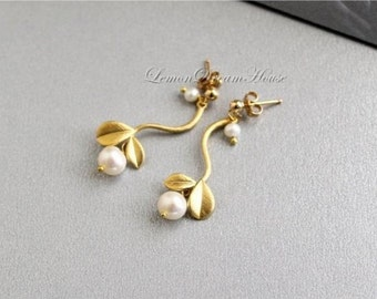 June Birthstone Earrings, Freshwater Pearls, White Off Round Potato Pearl, Gold Twig Connectors, Vermeil Ballpin, Gold-filled Earstuds. E161