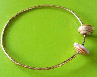 Rose gold Bangle with shell