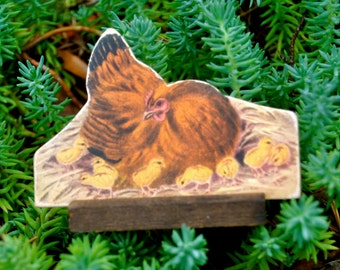 1930's Antique Die Cut Cardboard Standing Lithograph Rhode Island Red Hen with yellow Chicks