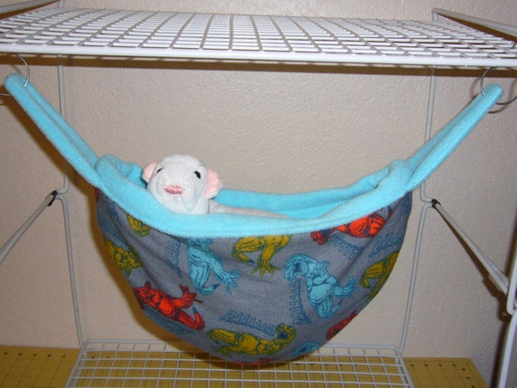 pea pod hammock dino print with blue radiance fleece