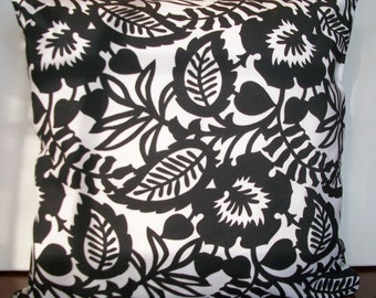 Decorative black and white print pillow cover