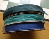 Vintage hug snug blue roll