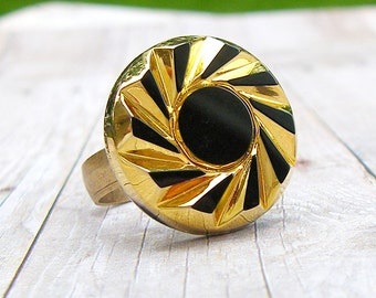 Whirlwind - adjustable vintage glass button ring