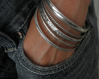 Set of 5 sterling silver pattern bangle bracelets
