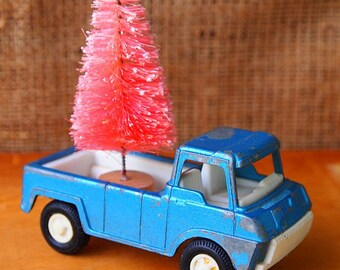 1969 Tonka Carry Truck with a Pink Wired Tree