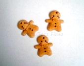 Gingerbread man charm (2)