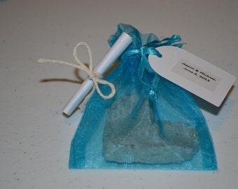 Plantable Seed  Paper Heart Wedding Favors/Wedding Favor/Favor/Heart Favor/Plantable Paper Favors
