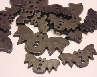 12 piece flat bat button mix, 22-33 mm (B5)