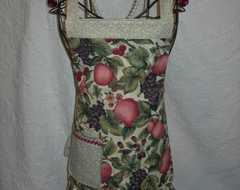 Reversible Apron in Rich appetizing Colors of Lucious Fruit, this one is quite Simply Delicious ...