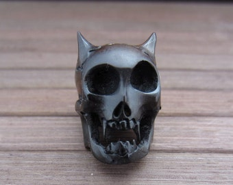 Hand carve Vampire skull in horn, 3-D Skull , horn beads,drilled top to bottom, Jewelry making supplies B3778