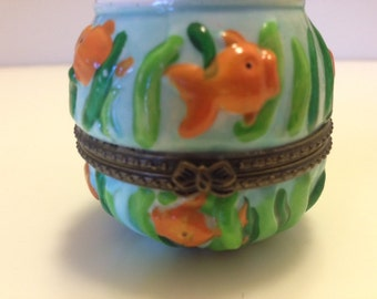 Vintage Ceramic Sea Life Themed Box with Enclosed Tiny Gold Fish
