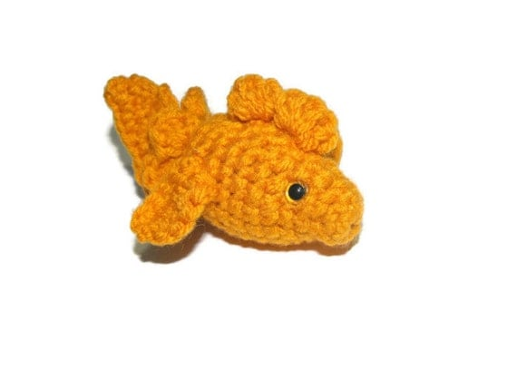 Cat toy crochet catnip gold fish for Fish cat toy
