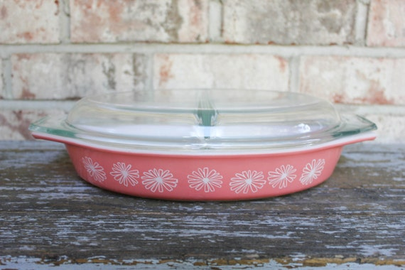 Vintage PYREX Pink Daisy cinderella oval divided serving dish with glass lid 50s retro