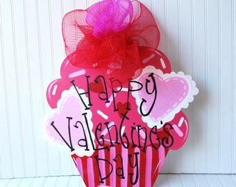 Valentine Wreath, Valentines Day Wreath, Valentines Day Decorations, Be Mine Valentine Cupcake, Valentines Day Decor
