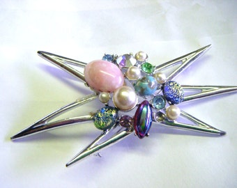 Fabulous 1950's Emmons Star Clustered With Rhinestones and Pearls Brooch