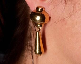 Vintage Monet Gold Tone Drop Earrings
