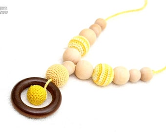 Organic cotton Nursing mom necklace/Teething necklace with wooden ring pendant pastel yellow and yellow mix
