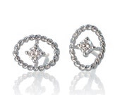 18 Karat White Gold Oval Shape Rope Design Diamond Earring Studs