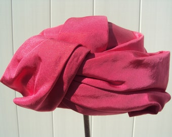 Ladies Hot Pink Cloche Bamberger Hat, size small, c. 1960's