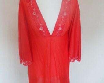 1970s Red nylon Nightie or dress