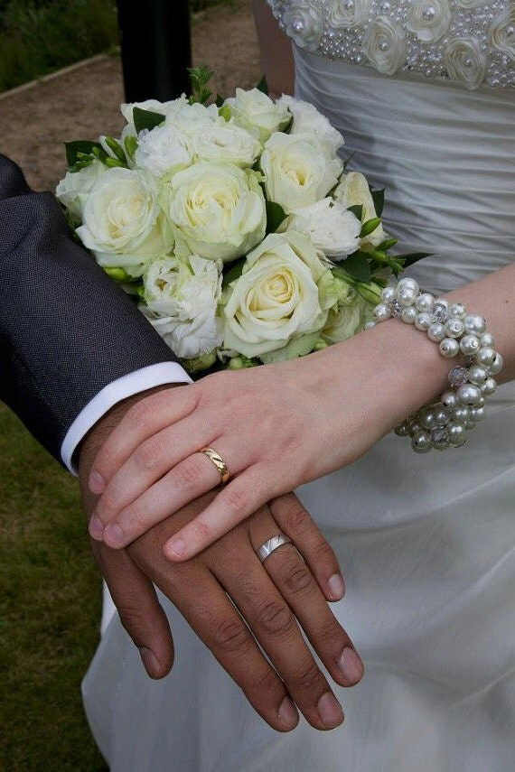 Pearl Wedding Bracelet, Pearl Cluster Bracelet, Bridal Jewelry, Bridesmaid Bracelet, Pearl Bracelet, White or Ivory Pearl Jewelry