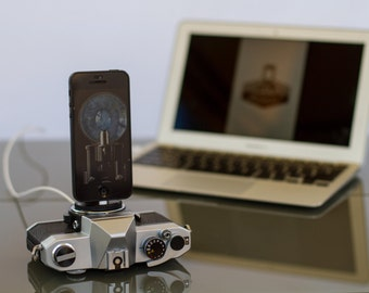 Dock for iphone 6 - 5 / charger from vintage camera - classy SLR