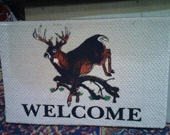 Accent welcome floor mat with wildlife deer