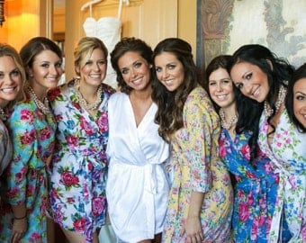 Set of 8 Custom knee length lined bridesmaids robes or dressing gowns. Bridal party robes & unique bridesmaids gifts