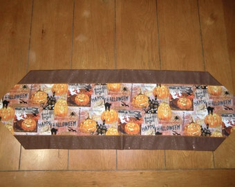 Table Runner - Halloween - Trick or Treat/Haunted House/Pumpkins