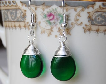 Green Earrings , Emerald Earrings , Green Silver Earrings , Wire Wrapped Earrings