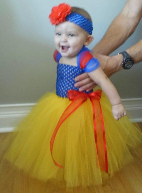 For the littlest trick-or-treaters in the family, a baby Halloween tutu makes a quick bumblebee, witch, angel, or ballerina costume that is inexpensive, comfortable, and easy for you to put on and take off throughout the festivities.