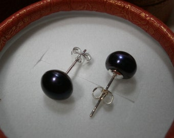 Black Pearl Studs. 8mm gift boxed