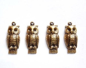 4 Antique Brass Owl Charms - 21-56-3