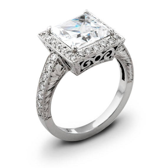 Ladies Vintage 14kt white gold engagement ring 0.50 ctw G-VS2 quality  diamonds and 2ct