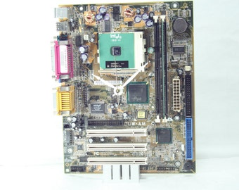 Intel celeron Motherboard Desk Clock, Geekery, Clocks by DanO