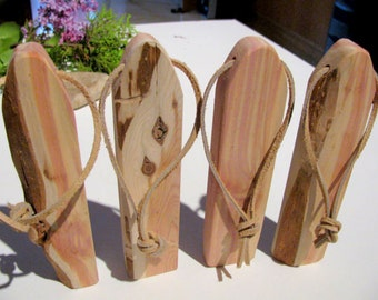 Four aromatic air fresheners made of juniper wood. Turn your closet into a cedar chest.