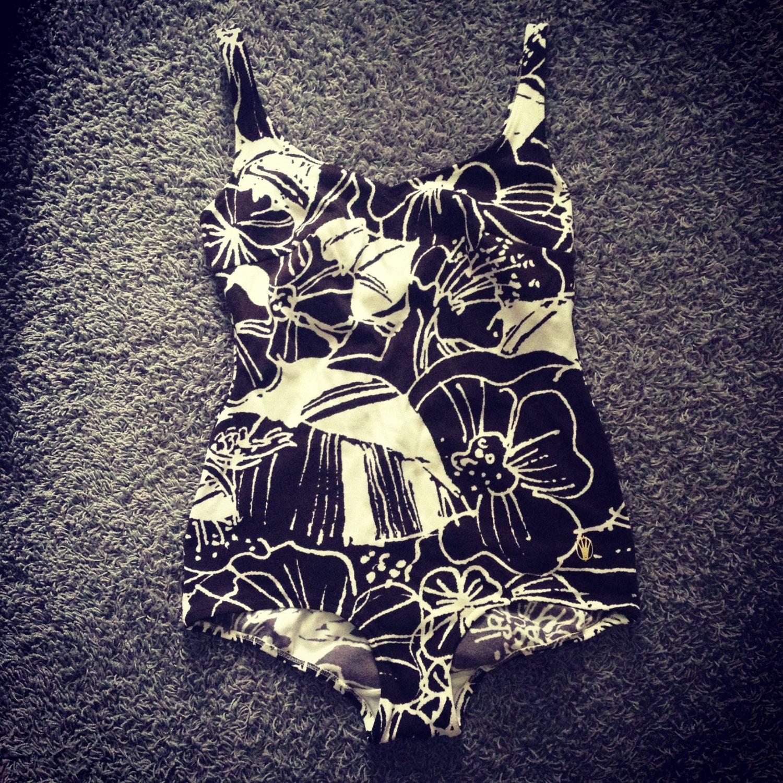 vintage triumph maillot de bain floral moyen grand 1960. Black Bedroom Furniture Sets. Home Design Ideas