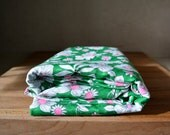 Vintage Retro Floral Print Fabric. Retro Synthetic Fabric. Green Pink White Flower Pattern. - catbedoven