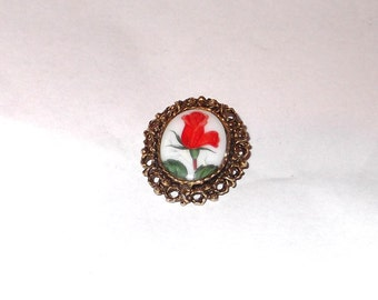 Beautiful Vintage Hand painted Red Rose on Porcelain Brooch Necklace