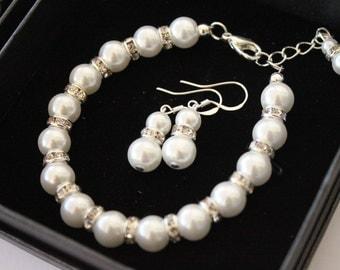 Pearl set - Bridesmaids gift - Pearls Bracelet and Earrings with rhinestones