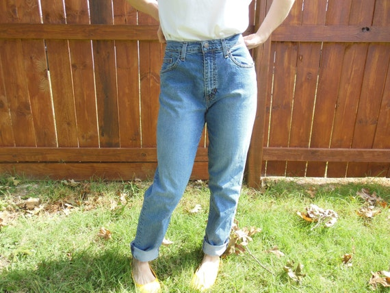 Vintage 1990's GAP jeans.  High waist//high rise//boyfriend jeans