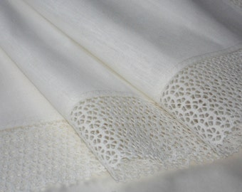 White linen runner with wide linen lace - gorgeous gift