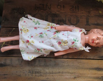 Vintage doll with no hands....